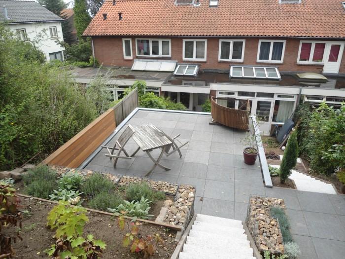 Óp de tuinkamer heeft Prefit een dakterras gebouwd.